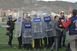 Hakkari'de futbol maçı sonrası olaylar çıktı