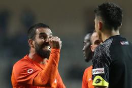 Medipol Başakşehir'den Arda Turan ve Marcio Mossoro'ya para cezası
