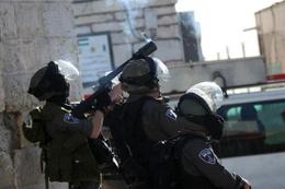 Yahudi yerleşimciler İbrahim Camisi'ne saldırdı