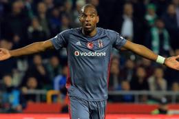 Ryan Babel Beşiktaş'ta kaldı