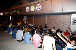 Fenerbahçeli öğrenciler kombine kuyruğunda