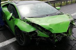 Milli futbolcu Serdar Gürler trafik kazası geçirdi