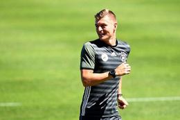 Kroos'tan Mesut Özil'e ırkçılık yanıtı