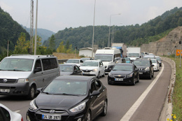 Bolu Dağında trafik durma noktasına geldi