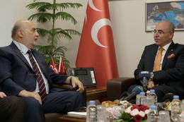 MHP'ye bayram ziyaretlerinde dolar konuşuldu