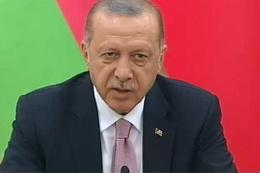 AK Parti'de hazırlanan 2 bin rapor Erdoğan'ın önünde