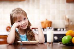 Ebeveynler dikkat! Çocuklarınız daha çok protein tüketmeli