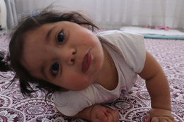1,5 yaşındaki talihsiz Hiranur yutkunursa ölecek!