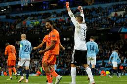 Lyon İngiltere'de Manchester City'yi devirdi