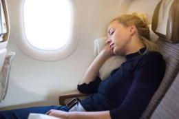 Ölümle sonuçlanabilir! Uçak inişe geçerken asla uyumayın!