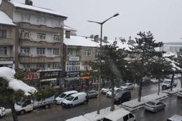 Bitlis'te korkunç ölüm! Çatıdan düşen kar kütlesinin altında kaldı