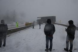 İki TIR makasladı! Ankara-İstanbul kara yolu trafiğe kapandı