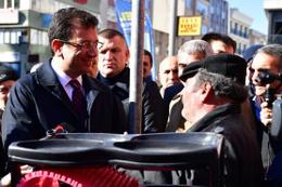 Ekrem İmamoğlu hurdacı vatandaşla İngilizce konuştu!