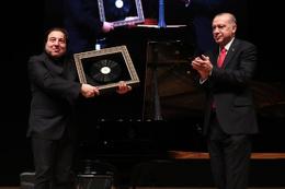'Fazıl Say Erdoğan'a dombra çaldı' dediler Deniz Zeyrek yazdı