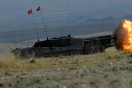 TSK, YPG/PKK'lı teröristleri obüslerle vurdu