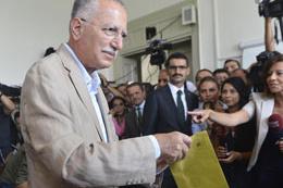Ekmeleddin İhsanoğlu'ndan seçim sonuçlarına ilk yorum