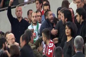 Türkiye-İsrail maçında olaylar çıktı