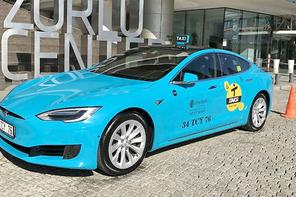 Tesla model S elektrikli taksi İstanbul'da! 100 km'de 9 lira yakıyor