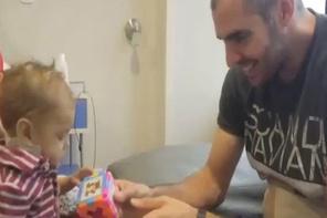 Futboldan vazgeçip 9 aylık yeğeninin hayatını kurtardı