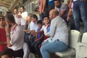 Trabzonsporlu çocuğun üstünden formasını çıkarttılar!