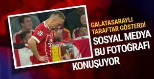 Galatasaraylı taraftar Ribery'ye eski fotoğrafını gösterdi
