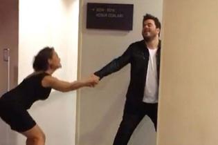 Hülya Avşar, Eser Yenenler'i odadan çıkartamadı!