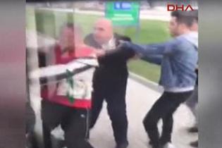 Halk otobüsü şoförü, kendisine tepki gösteren bir yolcuyu zorla indirdi