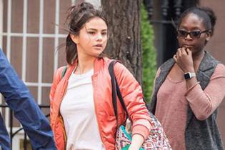 Selena Gomez arkadaşının böbreğiyle setlere geri döndü