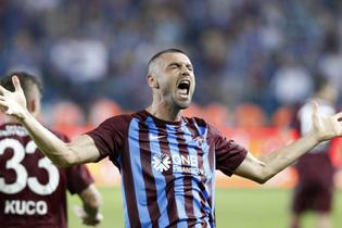 Trabzonspor'daki kriz devam ediyor! Burak ve yönetim arasında...