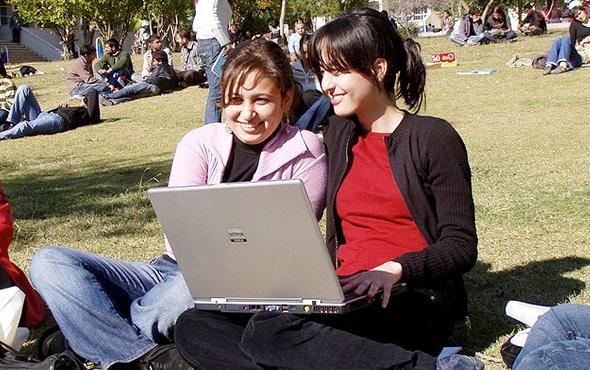23-24 Nisan üniversitelere tatil mi? MEB açıklama 8 Nisan