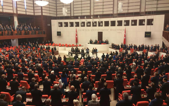 Yeni anayasa teklifinde iki madde çıkarıldı