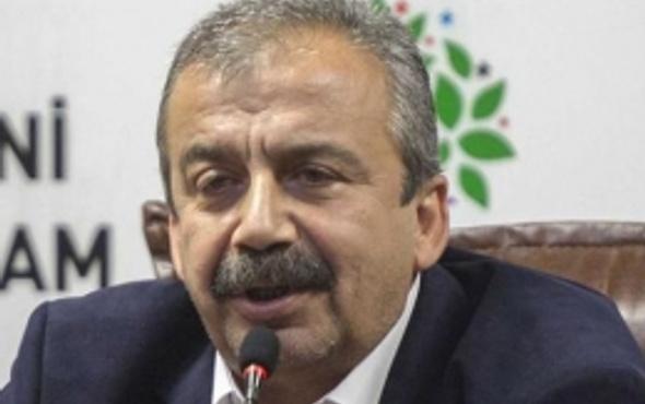 Sırrı Süreyya'dan Öcalan'a: Siz benim babamsınız