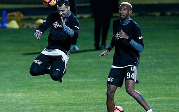 Beşiktaş'ta Talisca yüzleri güldürüyor