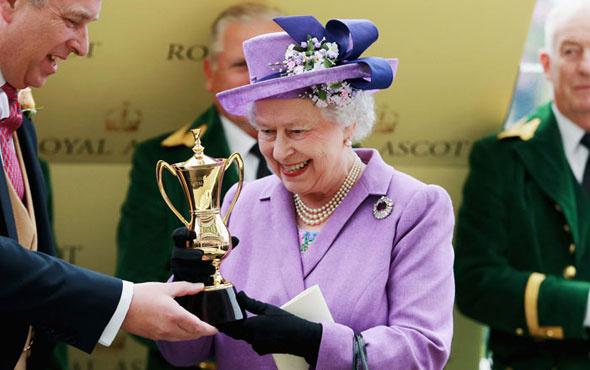 İngiliz kraliyet ailesi ilan verdi stajyerin maaşına bakın