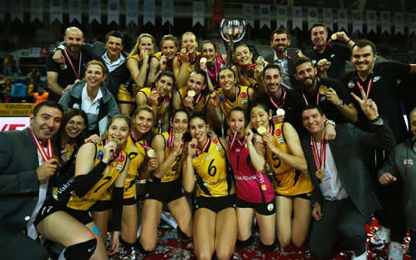 VakıfBank Kadınlar Kupa Voley'de kupanın sahibi oldu