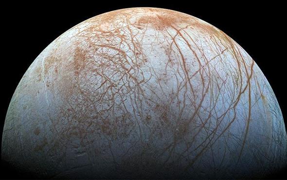 Jüpiter'in uydusu Europa canlı yaşamına olanak verebilir