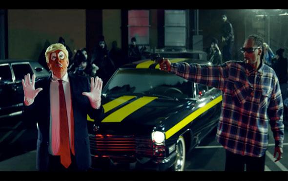 Dünyaca ünlü rapçi Snoop Dogg Trump'a 'silah' doğrulttu