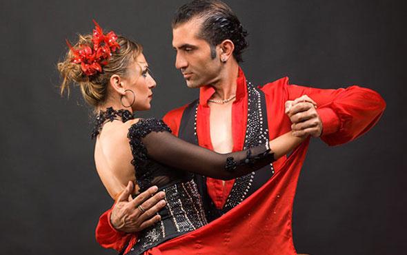 İstanbul Gitar Üçlüsü eşliğinde tango rüzgarı İKÜ'de