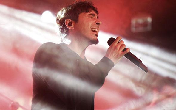 Ferman Akgül ilk solo albümünü tanıttı