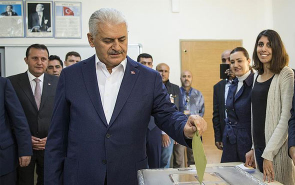 Başbakan Yıldırım'ın oy kullandığı sandıkta sonuç belli oldu