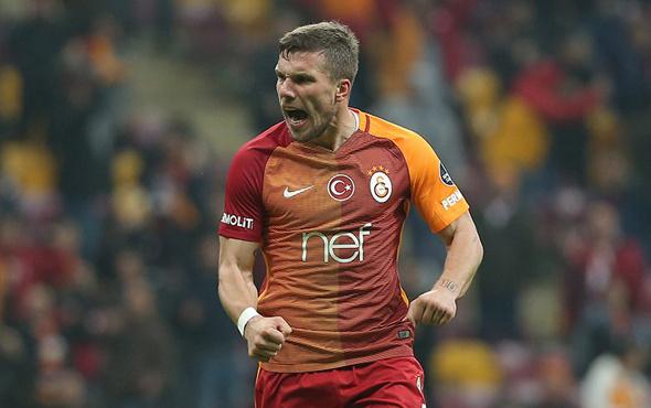 Lukas Podolski semt pazarında görüntülendi