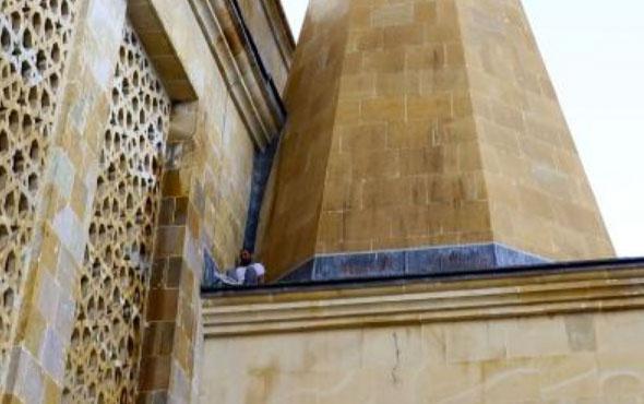 Camiye gelenler şaştı kaldı bu halde bulundu