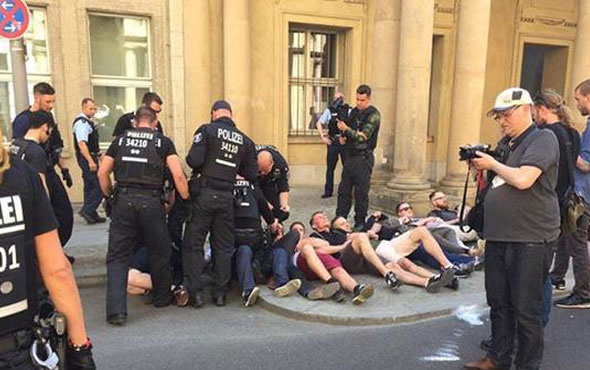 Almanya'da bakanlığı basmaya kalktılar