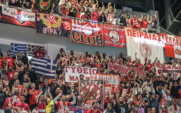 Sinan Erdem'de Olympiakos'a İzmir Marşı!