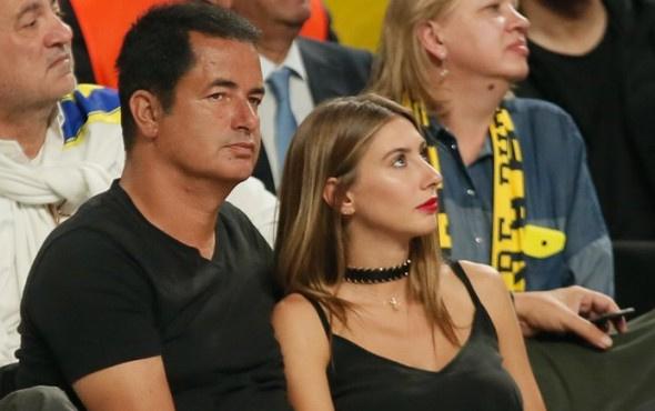Acun Ilıcalı sevgilisiyle Fenerbahçe maçında