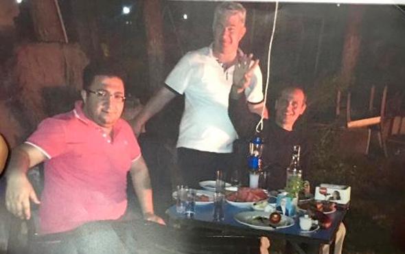 Berberoğlu'nu tutuklayan hakimin olay fotoğrafı meğer o işaret...