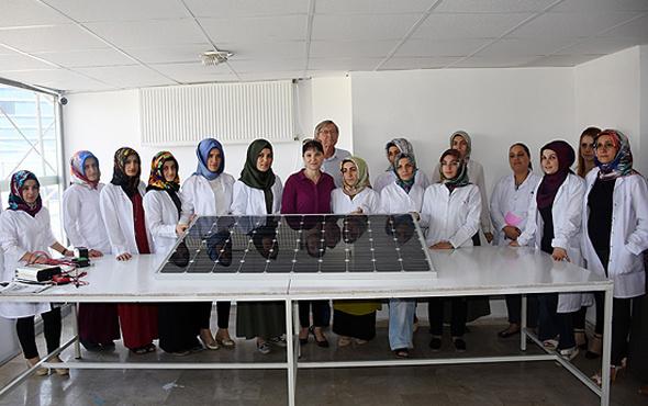 Kadınlar güneş paneli üretecek eğitime başladılar