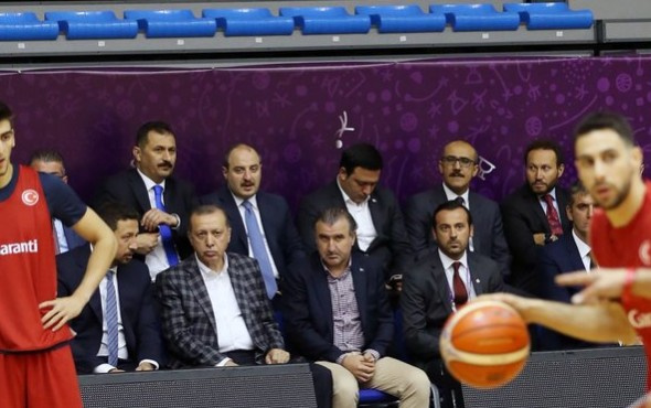Cumhurbaşkanı Tayyip Erdoğan 12 Dev Adam'ı ziyaret etti