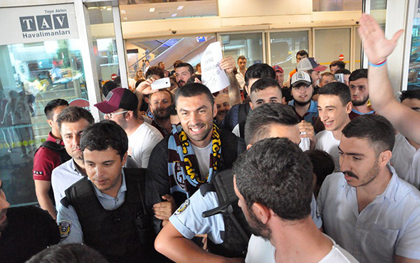 Burak Yılmaz Trabzon'a geldi