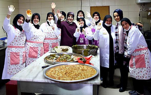 Şırnak'taki askerlere anne yemeği! Askerlerden cevap...